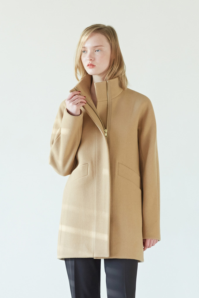ZIP UP HALF COAT - LIGHT BEIGE
