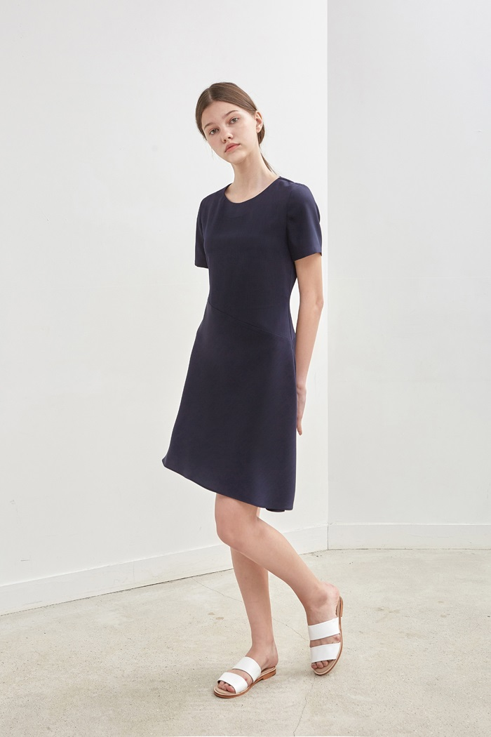 OBLIQUE FLARED DRESS - NAVY