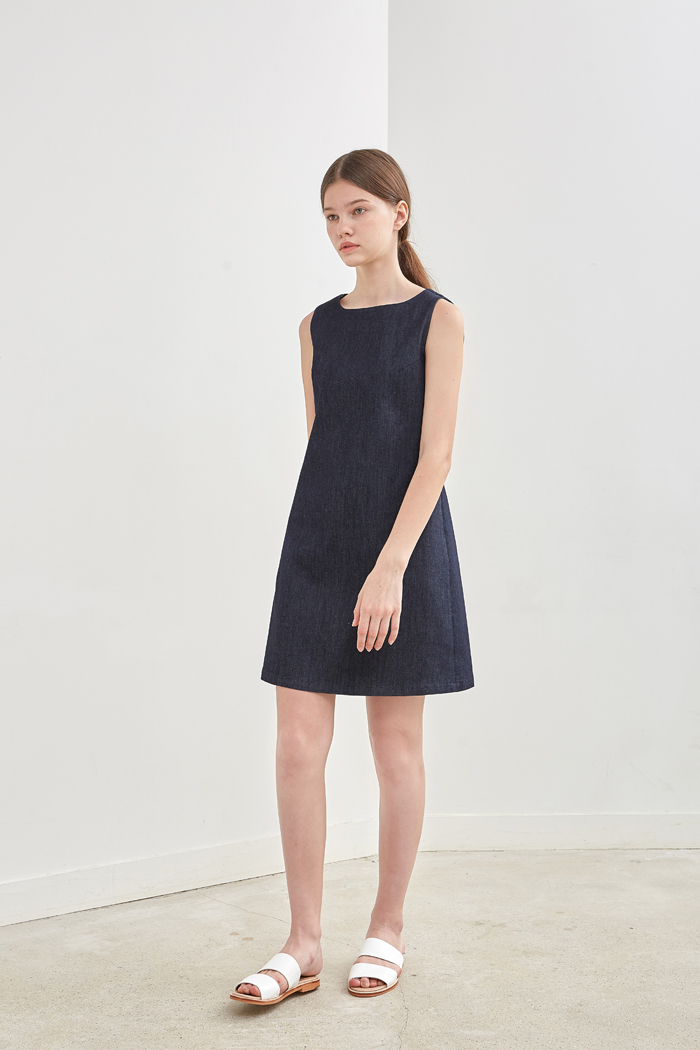 SLEEVELESS DENIM DRESS - DARK INDIGO