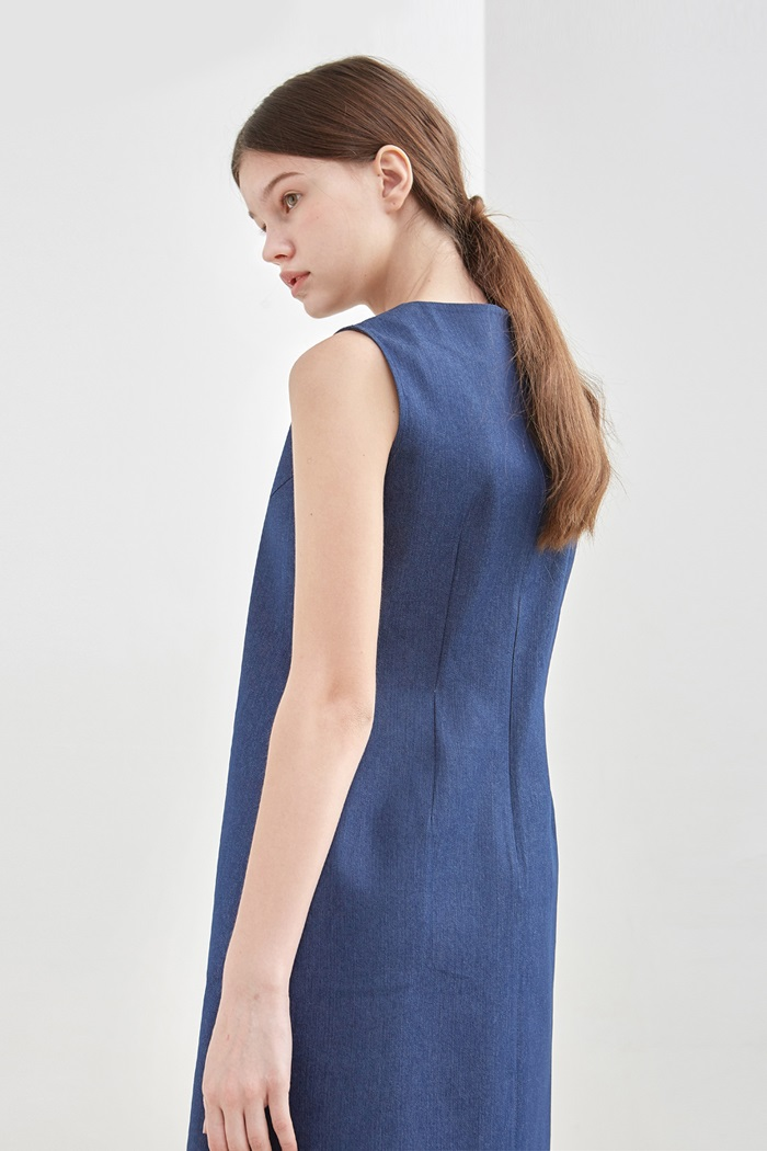 SLEEVELESS DENIM DRESS - BLUE