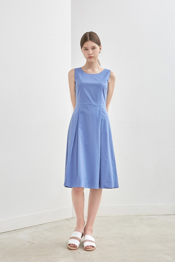 SLEEVELESS PLEATED DRESS - SKY BLUE