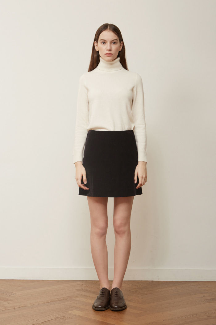 VELVET CORDUROY MINI SKIRT -  BLACK