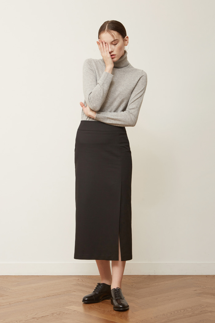 FW ' SLIT LONG SKIRT - BLACK
