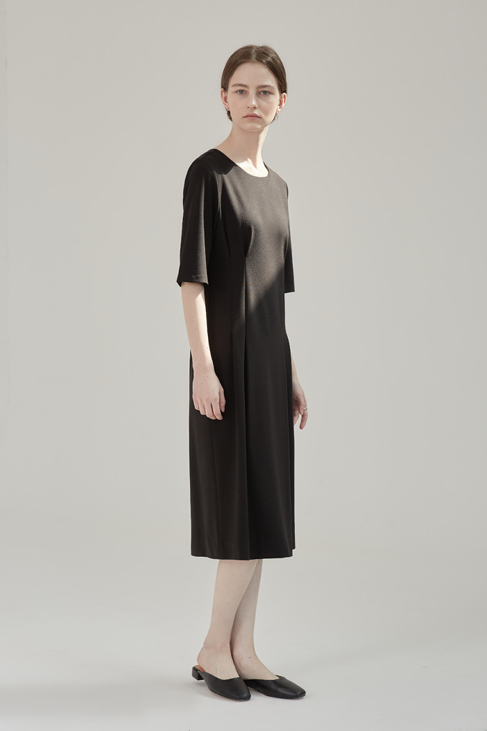 DART POINTED DRESS - BLACK