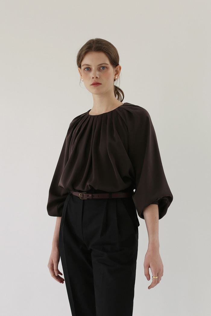 WAVE PLEATED BLOUSE - ASH BROWN