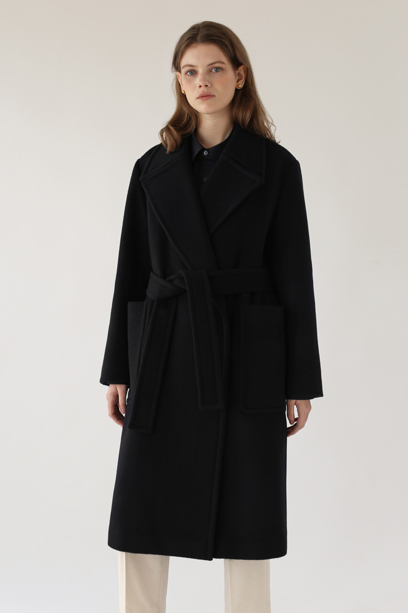WIDE LAPEL COAT - BLACK
